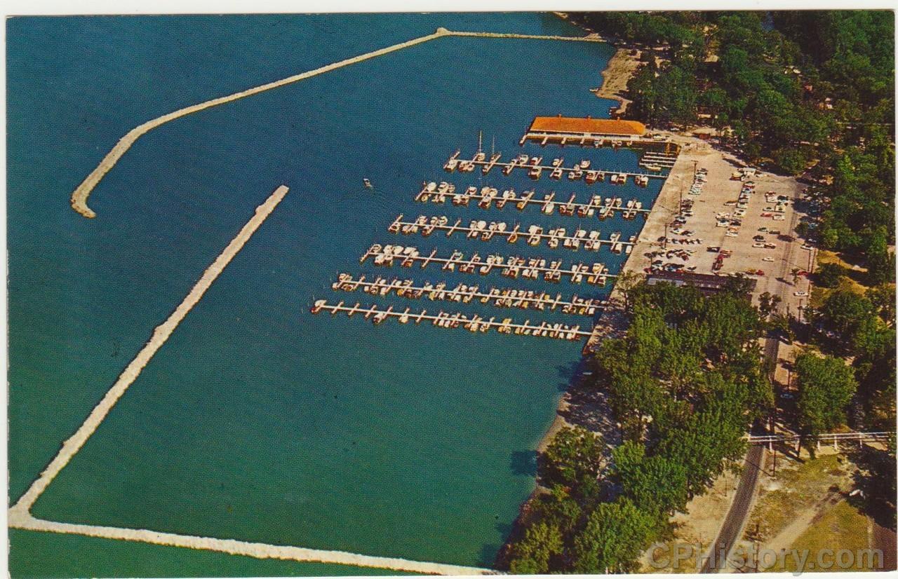 Cedar Point Marina 1959 - Postcard - Front.jpg